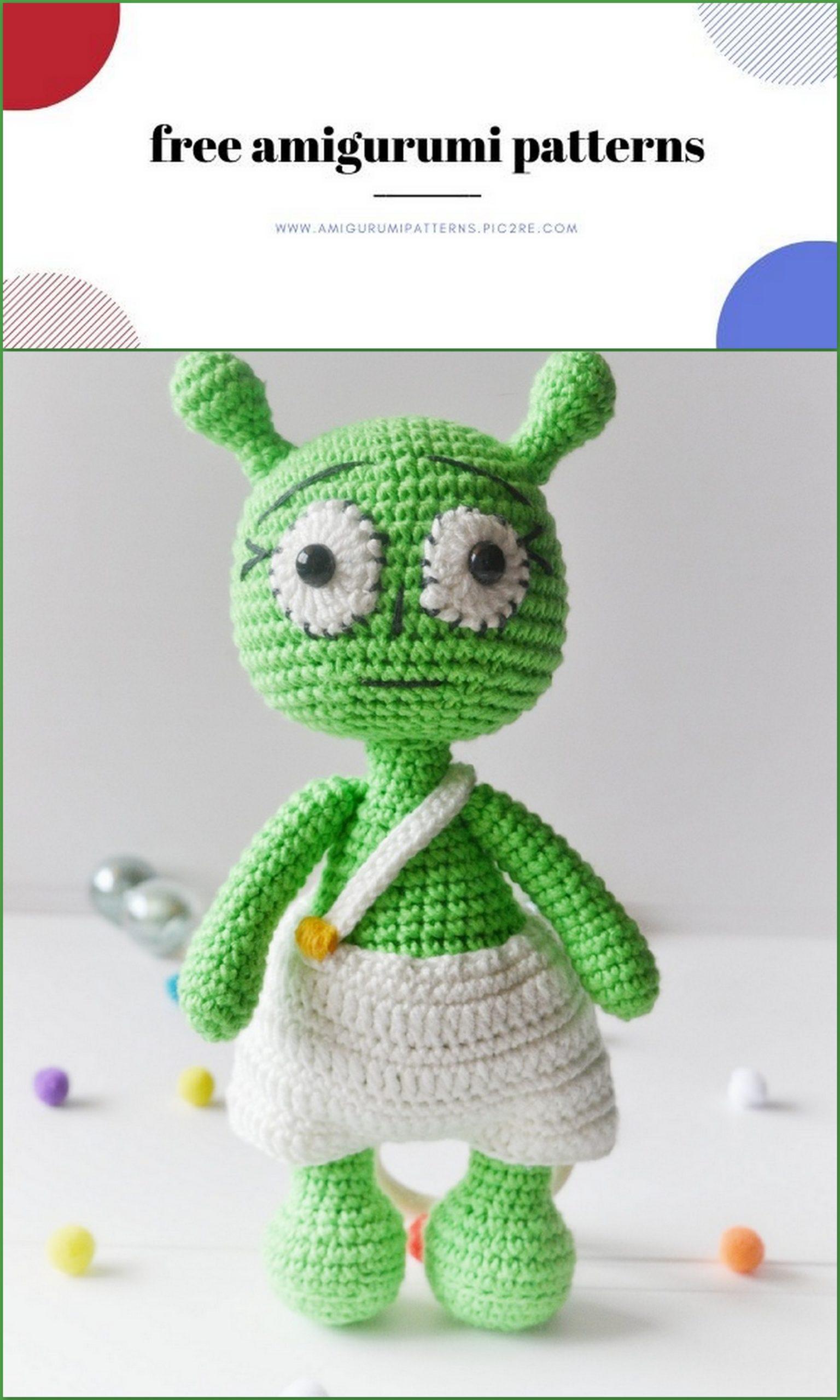 Amigurumi Alien Bunny Free Pattern | 2560x1536